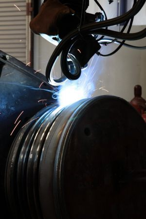 AUTOMATIC-ROBOTIC-WELDING